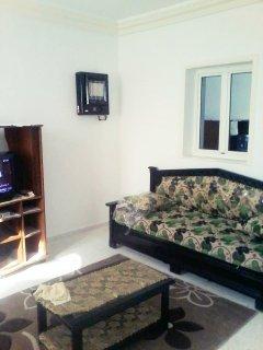 شقة جديدة مفروشة للكراء(منزل ارضي) بحي راقي