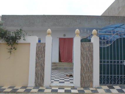 فيلا جديده للسكن للبيع في حي الرياض قليبيه