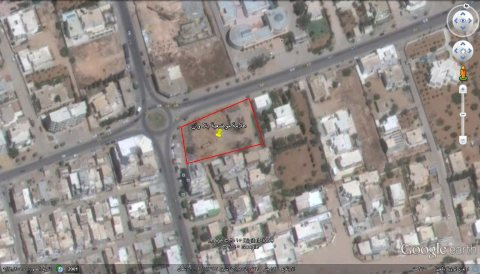 الى المستثمرين التونسيين و العرب قطعة ارض للبيع ط