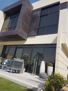 تملك واستلم فيلتك فورا في دبي لاند بالتقسيط